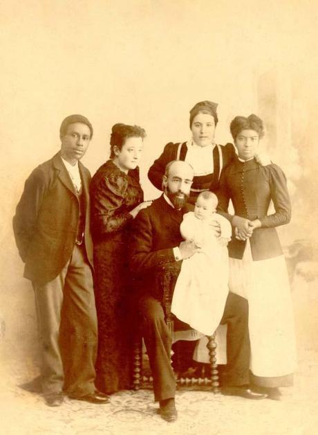 1880:LAS AMAS DE CRÍA MONTAÑESAS, PROVEEDORAS DE LA CASA REAL