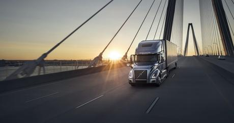 3 Things to Consider Before Getting Commercial Truck Liability Insurance