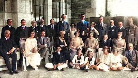 7 de agosto de 1922:Maura, con la Familia Real y la Corte en el Palacio de la Magdalena
