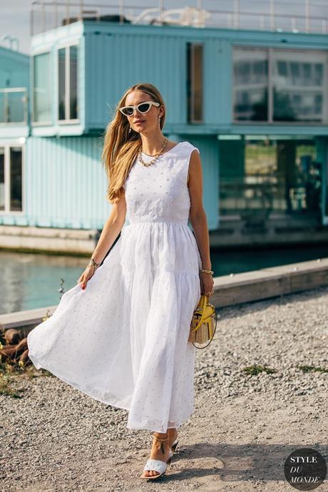 Vestidos blancos muy monos con los que presumir de bronceado veraniego