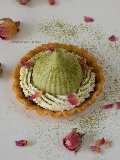 Mini Tartaleta de Namelaka de Matcha y Rosas