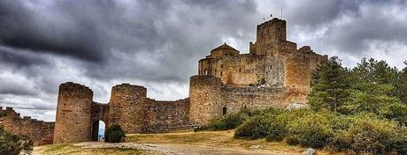 El Castillo de Loarre - La Hoya de Huesca - Guía Mágicos Pirineos 2020
