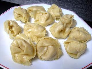 Tortellini relleno de pera con salsa 4 quesos