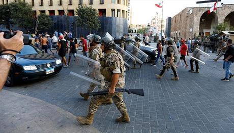 El ejército del Líbano obtiene nuevos poderes en medio de la ira por la explosión de Beirut