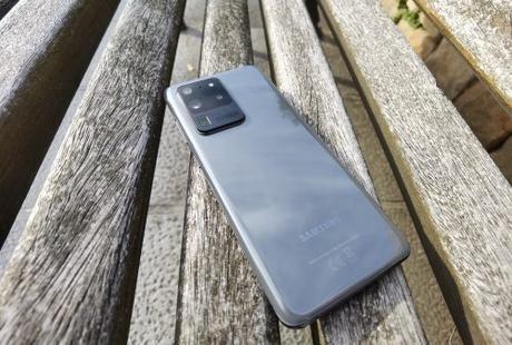 Samsung Galaxy S20 Ultra 5G, titánico en todos los aspectos