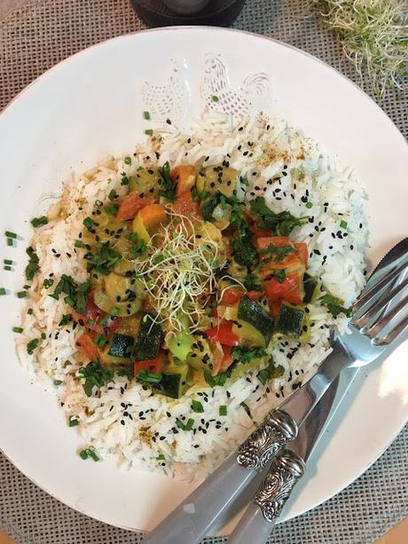 Curry De Verduras Con Arroz
