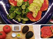 Tostada tomate aguacate