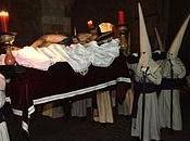 Penitente Hermandad Jesús Yacente (Zamora)