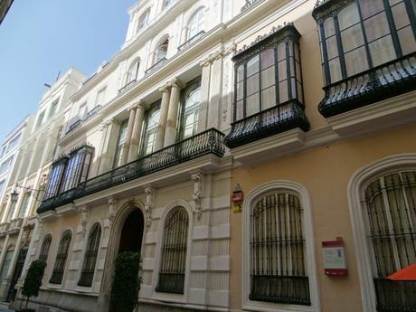 5 curiosidades de Cádiz, desde el suelo hasta el cielo.