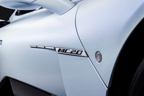 https___hypebeast.com_image_2020_09_maserati-mc20-nettuno-supercar-info-09