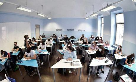 Italia a dias del reinicio de clases hay 13000 contagios
