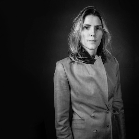 #CFDA2020: Los premios más importantes de la moda consagran a la uruguaya Gabriela Hearst como la mejor diseñadora del año