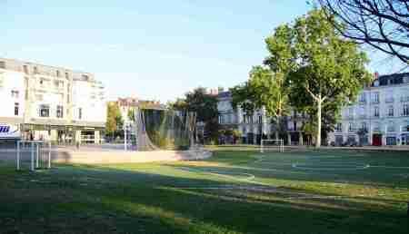 Feydball, el fútbol anamórfico de Nantes