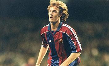 Jordi Cruyff con la camiseta del Barcelona