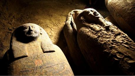 Descubren 27 sarcófagos de hace 2.500 años en Egipto