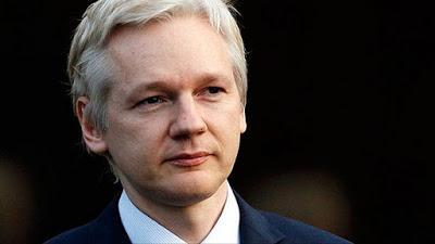 Assange es juzgado mientras los medios miran a otro lado.