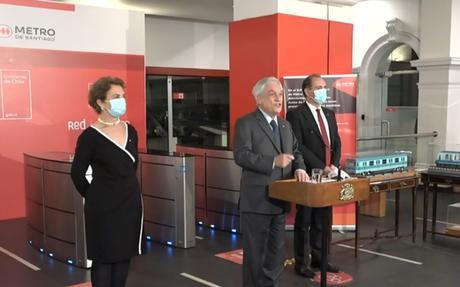 Chile: Protesta interrumpe a Piñera en anuncio de reactivación total del Metro de Santiago