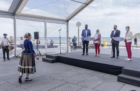 La ciudad de San Sebastián inaugura oficialmente la «Plaza de las Enfermeras»