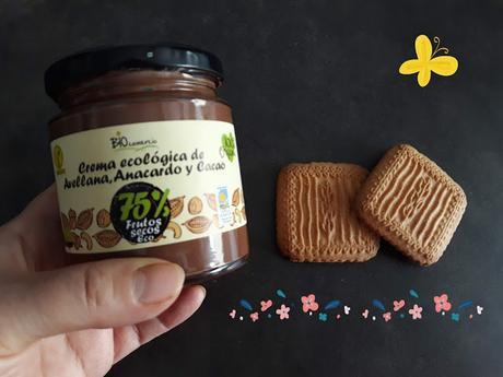 Probando la crema de avellanas, anacardos y cacao Biocomercio gracias a TV Bio