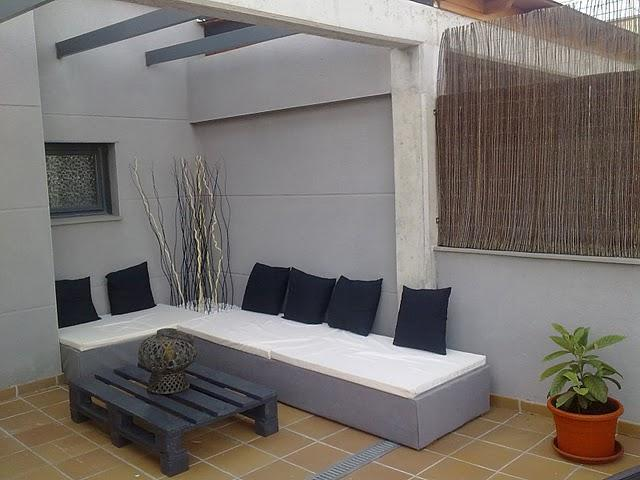 el sofa chill out de palets de david paperblog. Black Bedroom Furniture Sets. Home Design Ideas