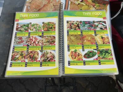 carta de platos tailandeses, Restaurante Thai Smile 2, Phuket, Tailandia, La vuelta al mundo de Asun y Ricardo, vuelta al mundo, round the world, mundoporlibre.com