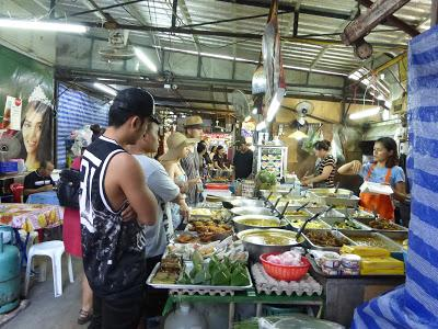 Bangla Food Street,  Patong Beach, Phuket, Tailandia, La vuelta al mundo de Asun y Ricardo, vuelta al mundo, round the world, mundoporlibre.com