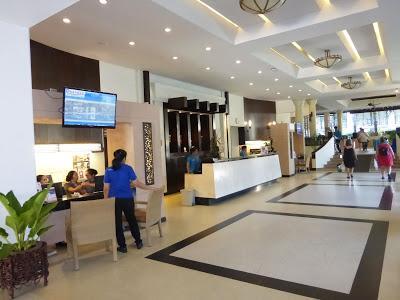 Recpción Hotel Deevana Patong Resort, Patong, Phuket, Tailandia, La vuelta al mundo de Asun y Ricardo, vuelta al mundo, round the world, mundoporlibre.com