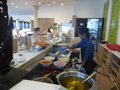 Comedor Hotel Deevana Patong Resort, Patong, Phuket, Tailandia, La vuelta al mundo de Asun y Ricardo, vuelta al mundo, round the world, mundoporlibre.com