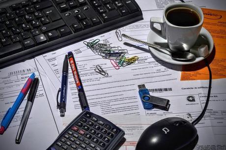 Dos emprendedores murcianos crean un software que evita que autónomos y pymes vayan al asesor