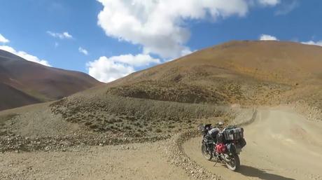 El gran viaje de la ruta 40 en Argentina de norte a sur: la tercera etapa, un café en medio de las nubes.