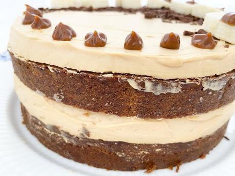 tarta rellena de crema de dulce de leche tarta rápida tarta facil tarta de plátano y dulce de leche tarta casera fácil tarta casera recetas delikatissen naked cake layer cake easy cake easy banana cake dulce de leche filling dulce de leche cream dulce de leche cake bizcocho fácil de plátano birthday cake Banana bread