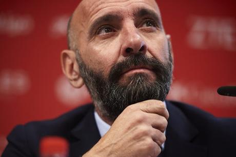 Las operaciones que podría cerrar el Sevilla FC antes del cierre de mercado