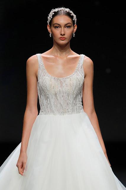 Demetrios inunda de brillo y glamour la pasarela VBBFW con su última colección de vestidos de novia 2021