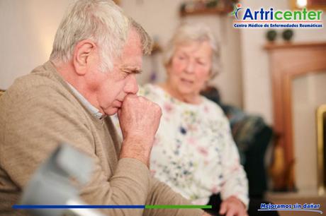 ¿La artritis reumatoide afecta las cuerdas vocales?