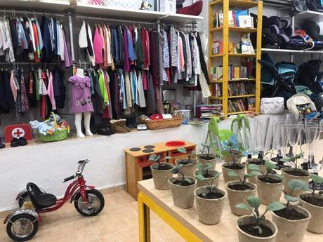 La ONG quinteña Crecer con Futuro abre una nueva tienda solidariaen León XIII, 17