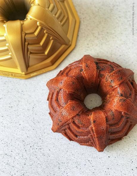 Bundt cake de naranja y chocolate