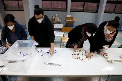 El 78% votò en Chile a favor de que se redacte nueva Constituciòn.