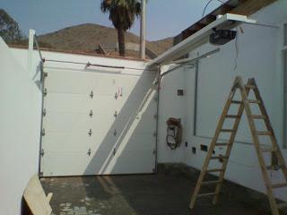 La puerta seccional es ideal para garajes reducidos - Prima Innova
