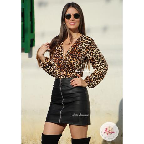 Outfit Falda Con Cremallera