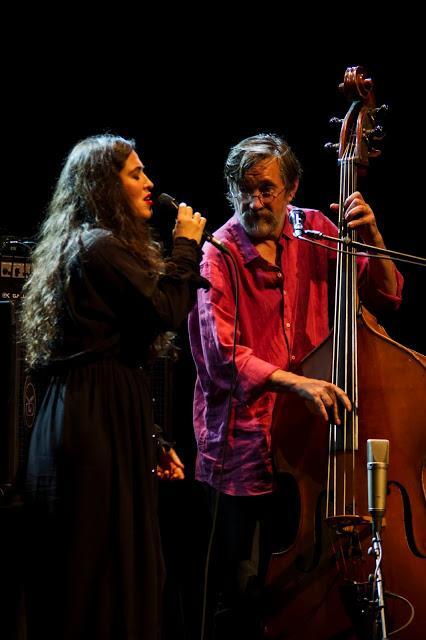 FOTO-SILVIA PÉREZ CRUZ & JAVIER COLINA. Foto del concierto SILVIA PÉREZ CRUZ & JAVIER COLINA en el 52º Festival Jazz Barcelona (Barcelona)