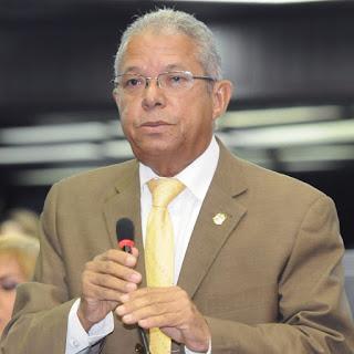 Rafael Méndez renuncia de PLD, tras 27 años de militancia.
