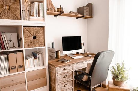 restauración escritorio 100 años