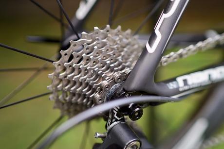 Limpiador ultrasónico para cadenas y piñones de bicicletas