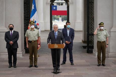Chile: Director General de Carabineros renuncia tras caso de menores baleados