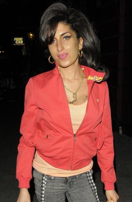 ¿Amy Winehouse murió por dejar repentinamente el alcohol?