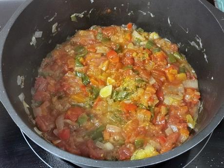 Caldereta de cordero con patatas, receta de guiso tradicional
