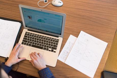 ¿Es siempre conveniente llevar las últimas tendencias tecnológicas a tu empresa? 3 aspectos a considerar