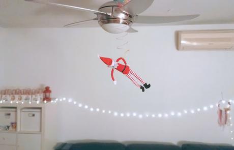 Elf on the Self 100 Ideas creativas y divertidas_1: Por los aires