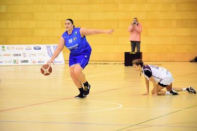 Galería de clics del Bàsquet Femení Viladecans-Bàsquet Femení Sant Adrià (Liga Femenina 2)