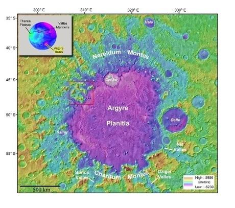 Hallan un reservorio de hielo de agua casi pura en Marte